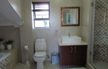 LOVELY 3 BEDROOM FAMILY HOME FOR SALE IN EXCLUSIVE BANKENVELD GOLF ESTATE, WITBANK